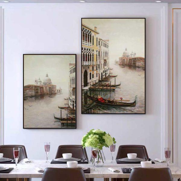 Tranh phong cảnh thành phố ở Italia treo bàn ăn